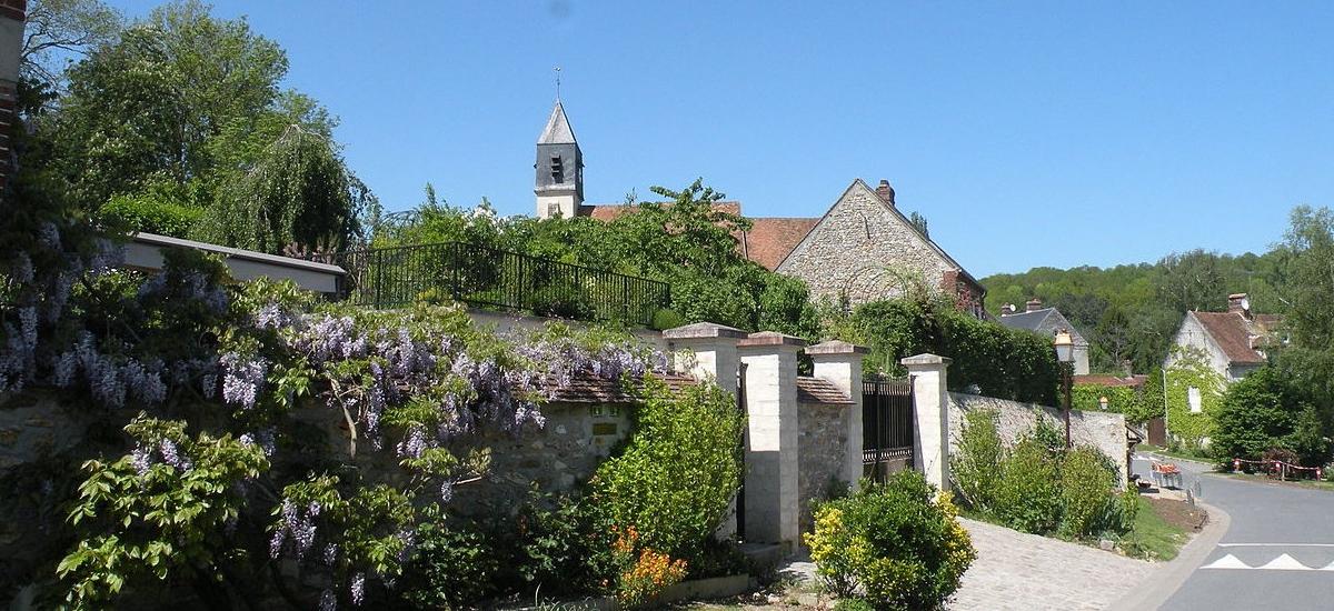 Rue fleurie de Chavençon